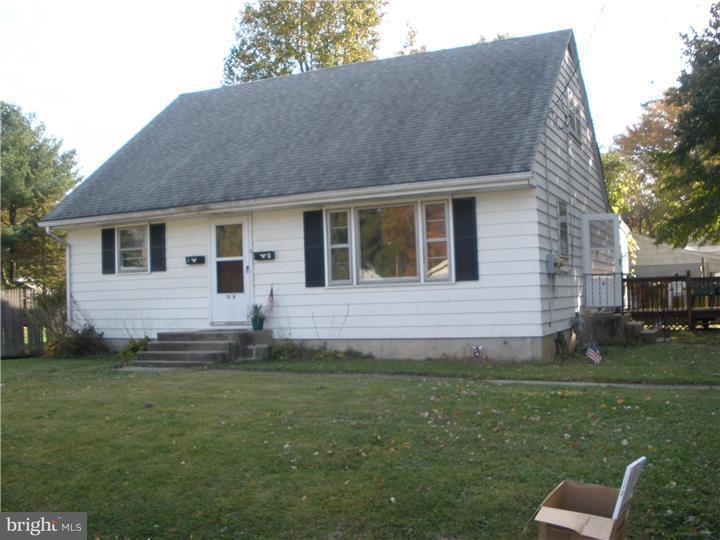 联栋屋 为 出租 在 10 AMHERST Drive Pennsville, 新泽西州 08070 美国