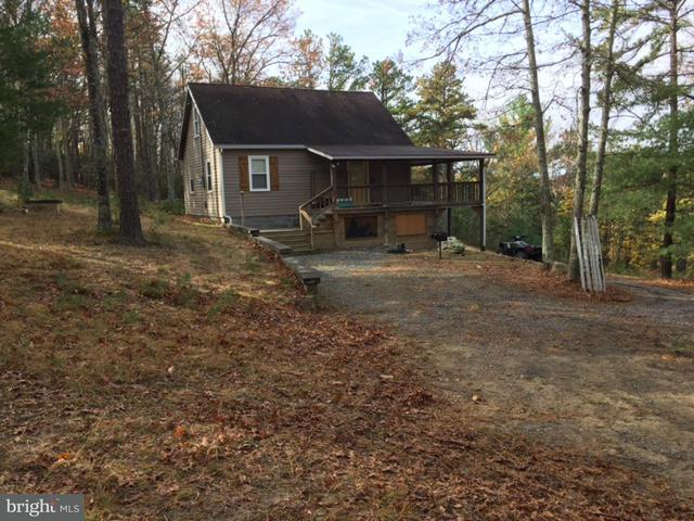 Single Family for Sale at 1423 Buck Ridges Rd Franklin, West Virginia 26807 United States