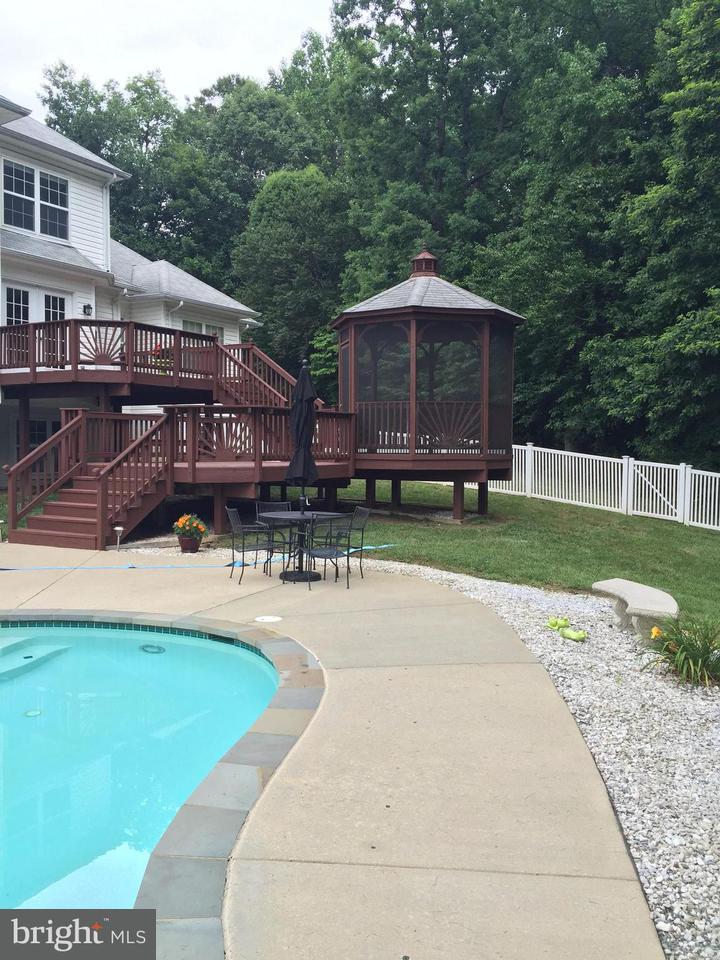Частный односемейный дом для того Продажа на 12100 DUNLEIGH Court 12100 DUNLEIGH Court Dunkirk, Мэриленд 20754 Соединенные Штаты