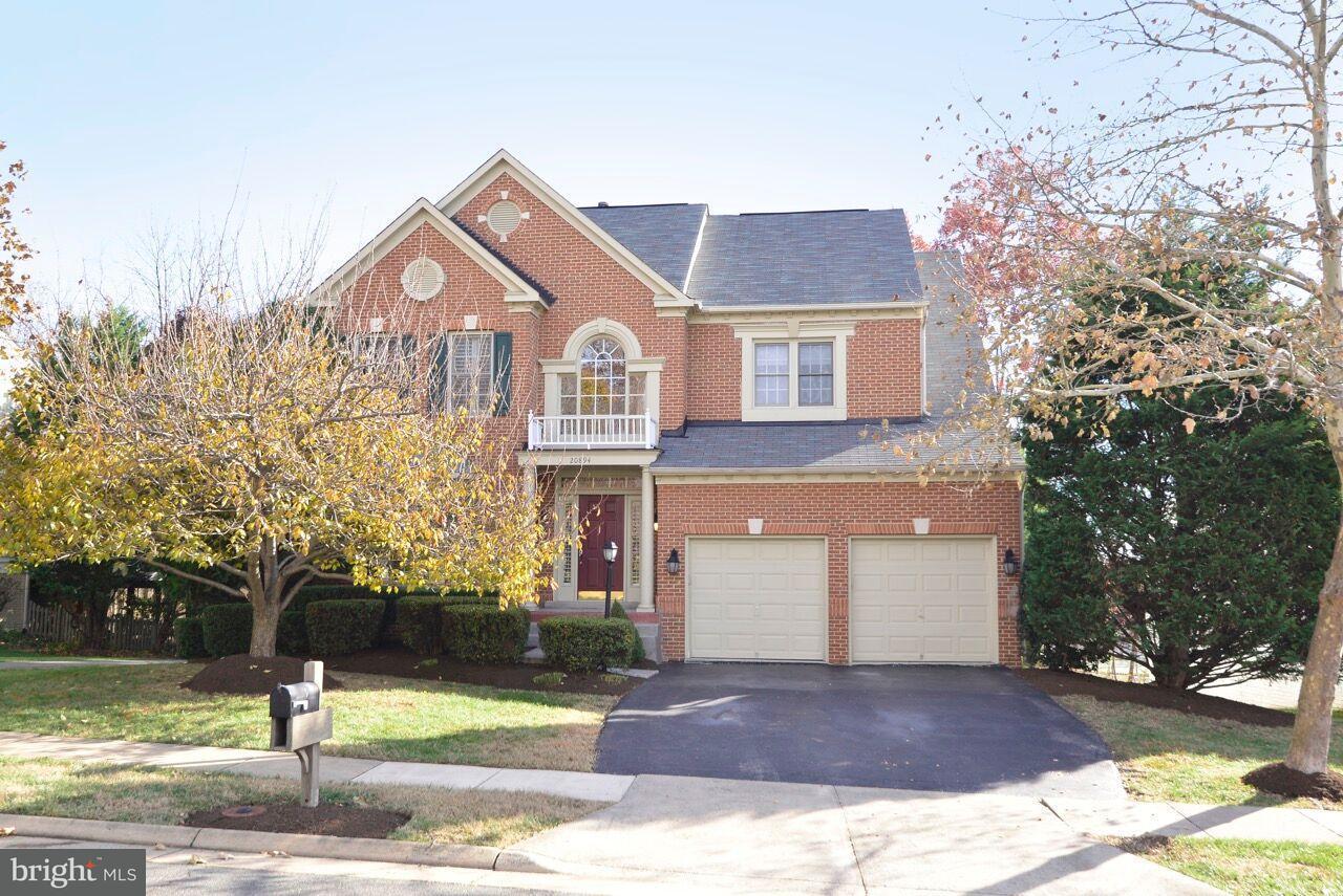 Single Family Home for Sale at 20894 GARDENGATE Circle 20894 GARDENGATE Circle Ashburn, Virginia 20147 United States