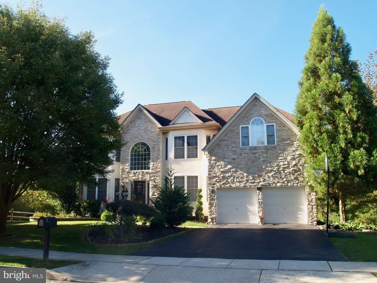Частный односемейный дом для того Продажа на 2530 QUAIL RUN Lansdale, Пенсильвания 19446 Соединенные Штаты