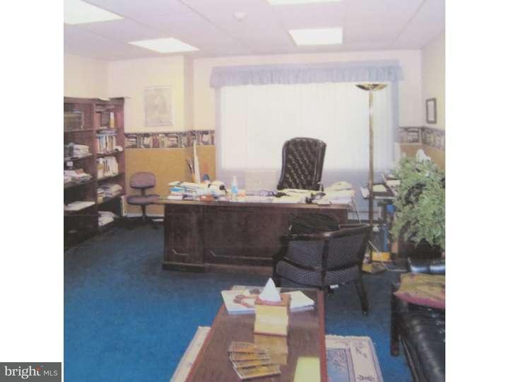 Additional photo for property listing at 638 BRUNSWICK PIKE  Lambertville, Nueva Jersey 08530 Estados Unidos