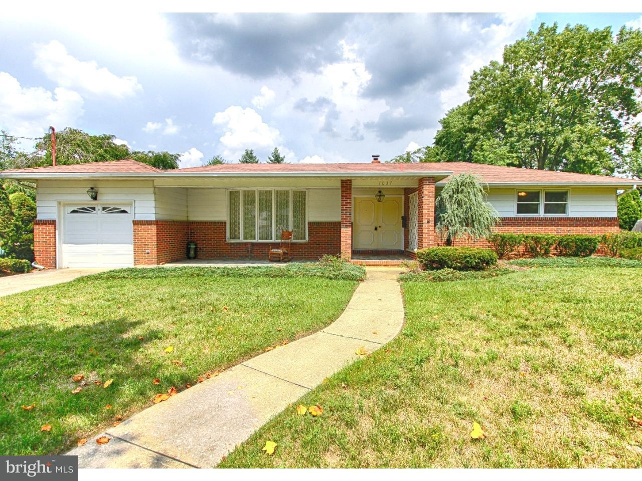 Maison unifamiliale pour l Vente à 1037 WALNUT Avenue Woodbury Heights, New Jersey 08097 États-Unis