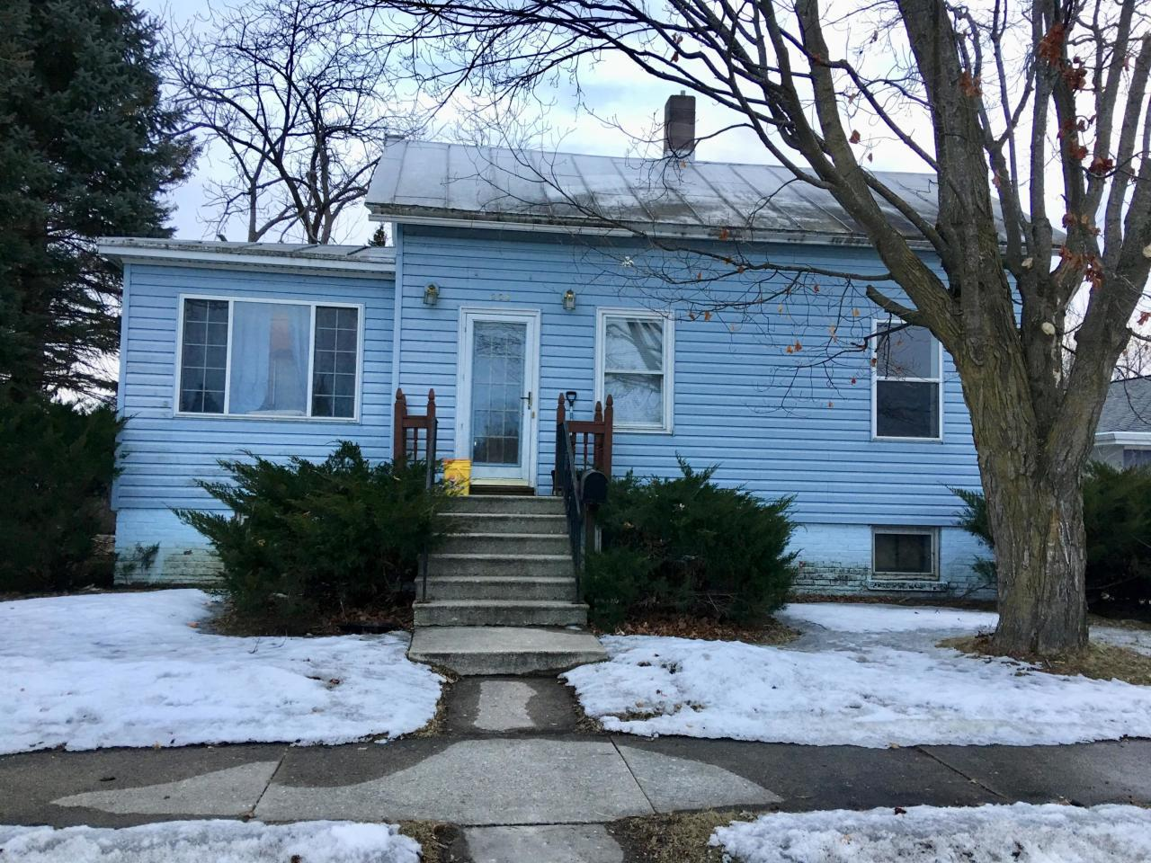 View Single-Family Home For Sale at 304 Cross ST, Oconto, WI