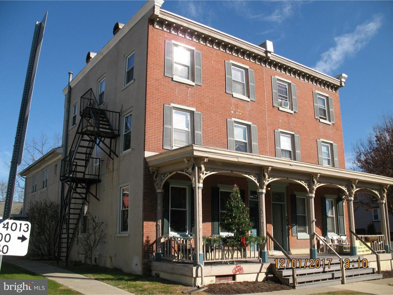 Maison unifamiliale pour l Vente à 115-117 N MAIN Street Sellersville, Pennsylvanie 18960 États-Unis