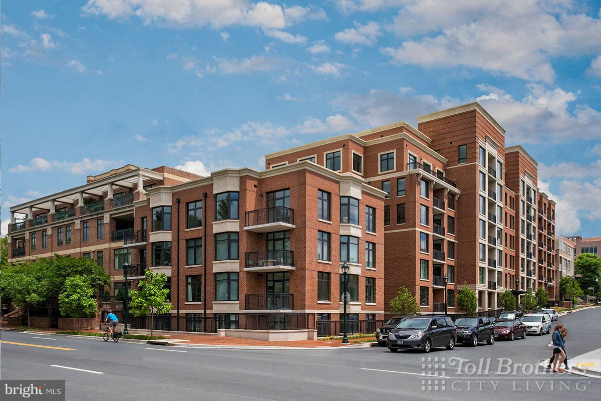 Single Family Home for Sale at 4915 HAMPDEN LN #302 4915 HAMPDEN LN #302 Bethesda, Maryland 20814 United States