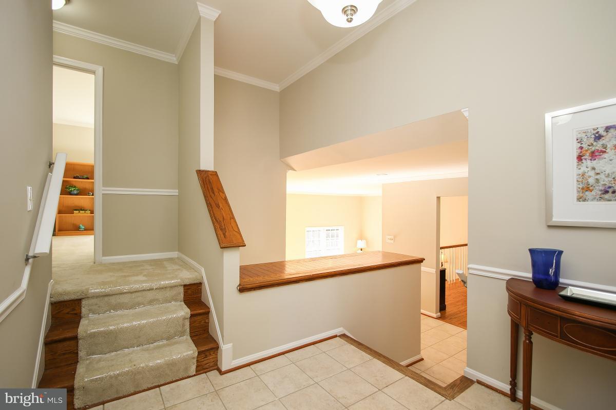 Частный односемейный дом для того Продажа на 10004 DESOTO Court 10004 DESOTO Court Montgomery Village, Мэриленд 20886 Соединенные Штаты