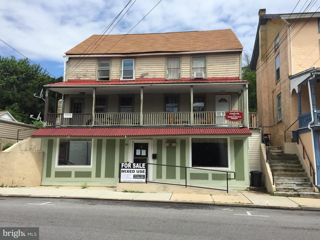 独户住宅 为 销售 在 321 MAIN Street Parkesburg, 宾夕法尼亚州 19365 美国