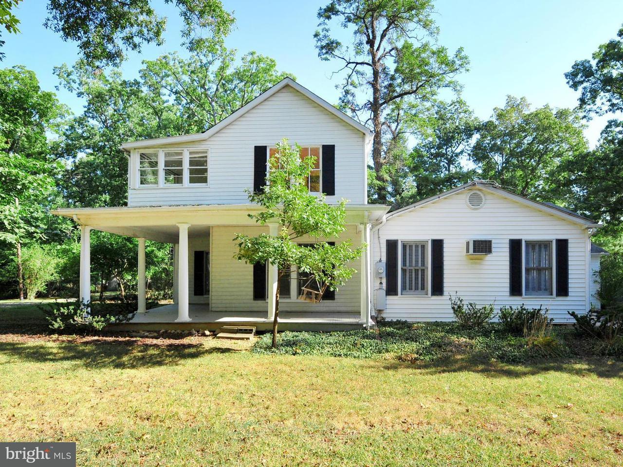 Maison unifamiliale pour l Vente à 117 GROVE Avenue 117 GROVE Avenue Washington Grove, Maryland 20880 États-Unis