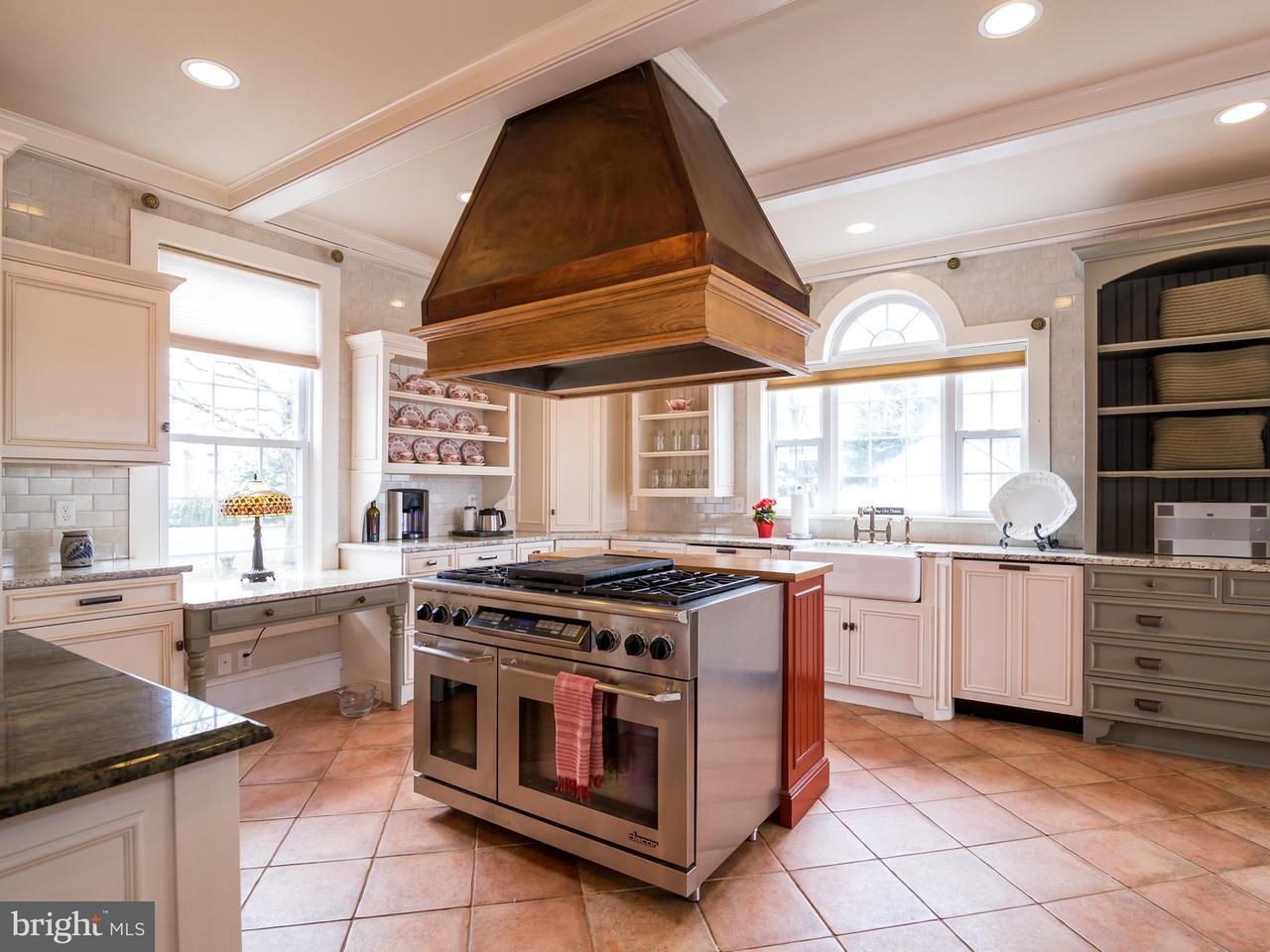 Additional photo for property listing at 16999 HIGHLAND Circle 16999 HIGHLAND Circle Paeonian Springs, Virginia 20129 États-Unis