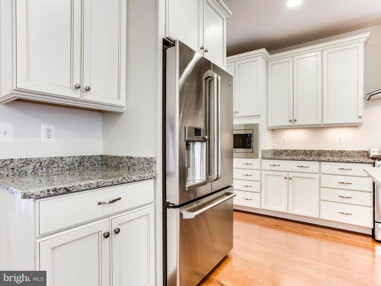 Additional photo for property listing at 8002 TURTLE CREEK Circle 8002 TURTLE CREEK Circle Gainesville, Virginia 20155 United States