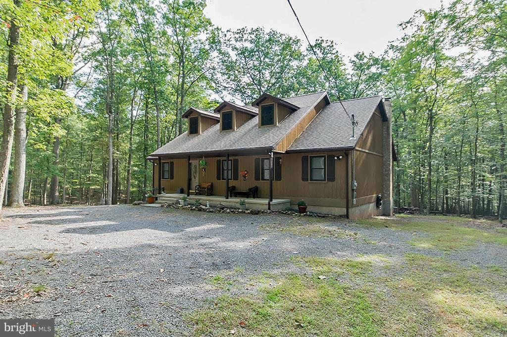 Single Family for Sale at 252 Honey Locust Lane Great Cacapon, West Virginia 25422 United States