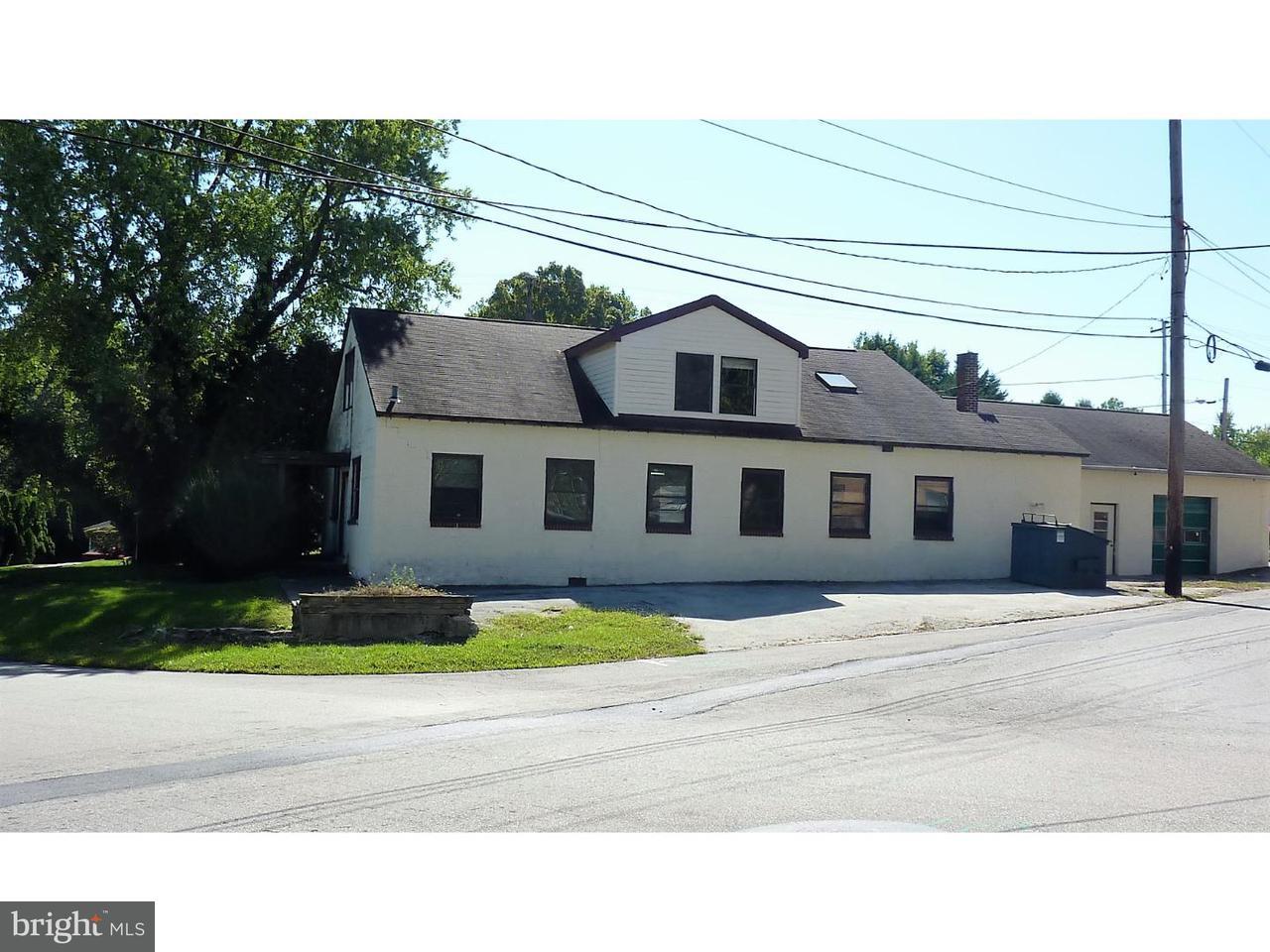 Casa Unifamiliar por un Venta en 200 CHURCH Road Morton, Pennsylvania 19070 Estados Unidos