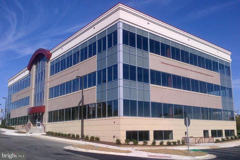 Commercieel voor Verkoop een t 19490 SANDRIDGE WAY #110 19490 SANDRIDGE WAY #110 Leesburg, Virginia 20176 Verenigde Staten