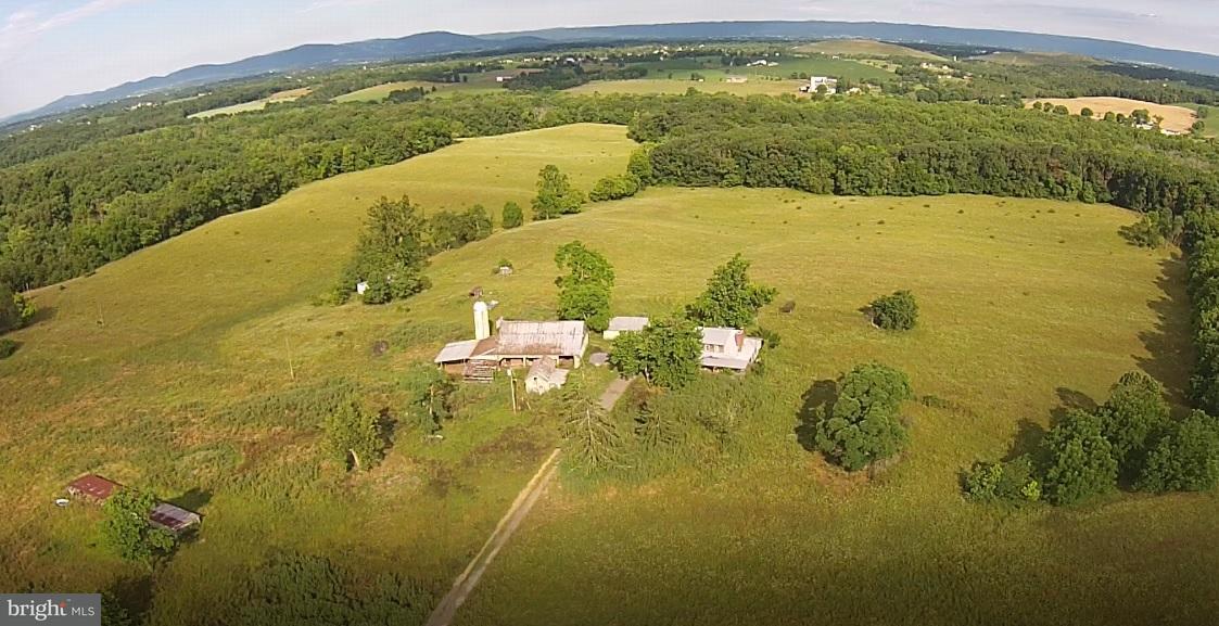 Granja por un Venta en 3021 CONOCOCHEAGUE Lane 3021 CONOCOCHEAGUE Lane Greencastle, Pennsylvania 17225 Estados Unidos
