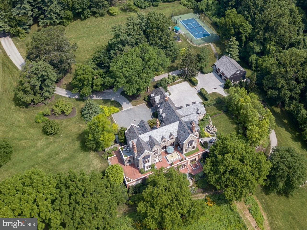 Частный односемейный дом для того Продажа на 100 MAPLE HILL Road Gladwyne, Пенсильвания 19035 Соединенные Штаты
