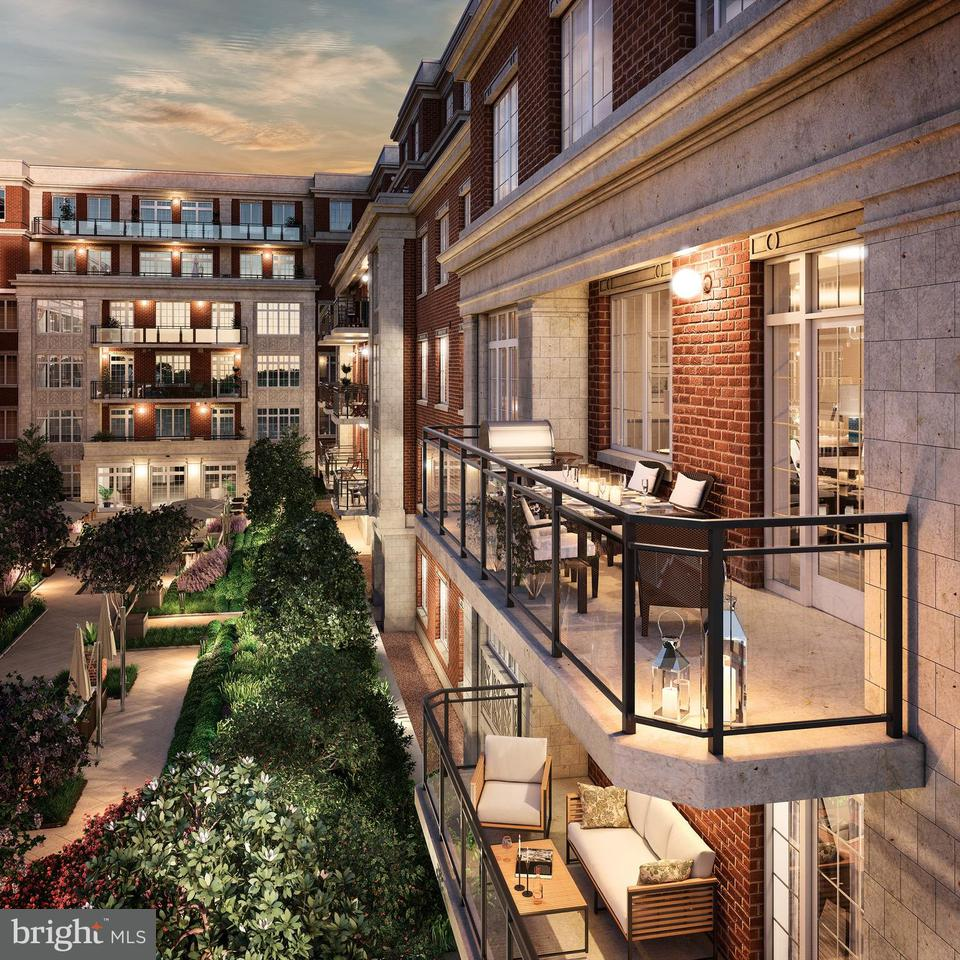 Additional photo for property listing at 6900 FLEETWOOD RD #318 6900 FLEETWOOD RD #318 McLean, Virginia 22101 United States