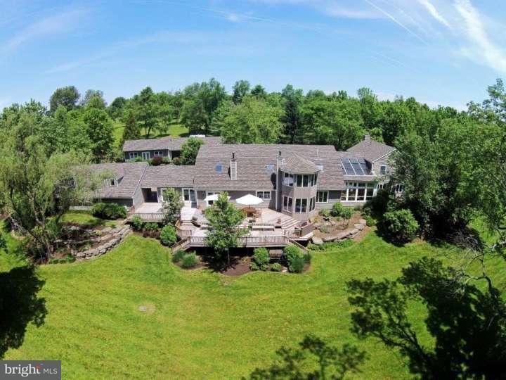 独户住宅 为 销售 在 1636 WRIGHTSTOWN Road 纽镇, 宾夕法尼亚州 18940 美国