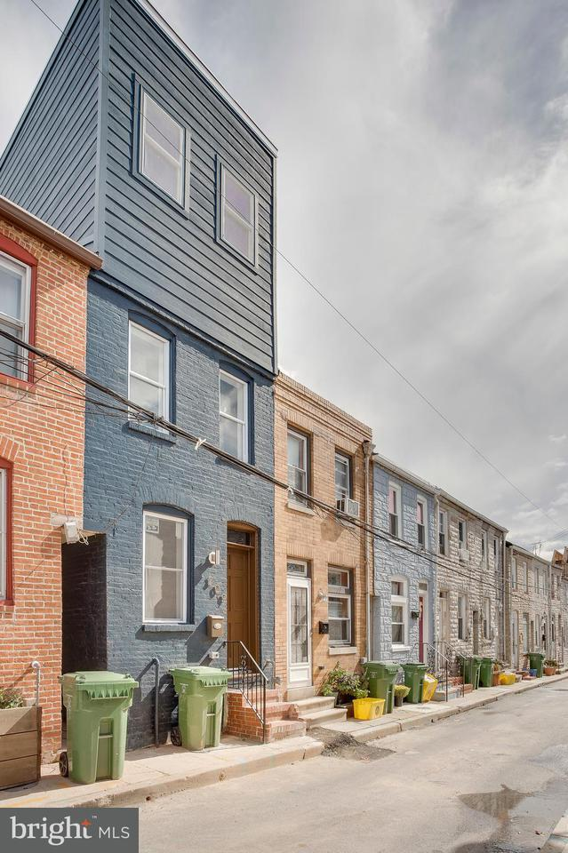 Single Family for Sale at 309 N Duncan St Baltimore, Maryland 21231 United States
