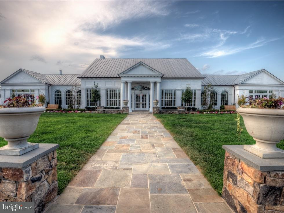 Additional photo for property listing at 23065 CHAMBOURCIN Place 23065 CHAMBOURCIN Place Ashburn, Virginia 20148 United States