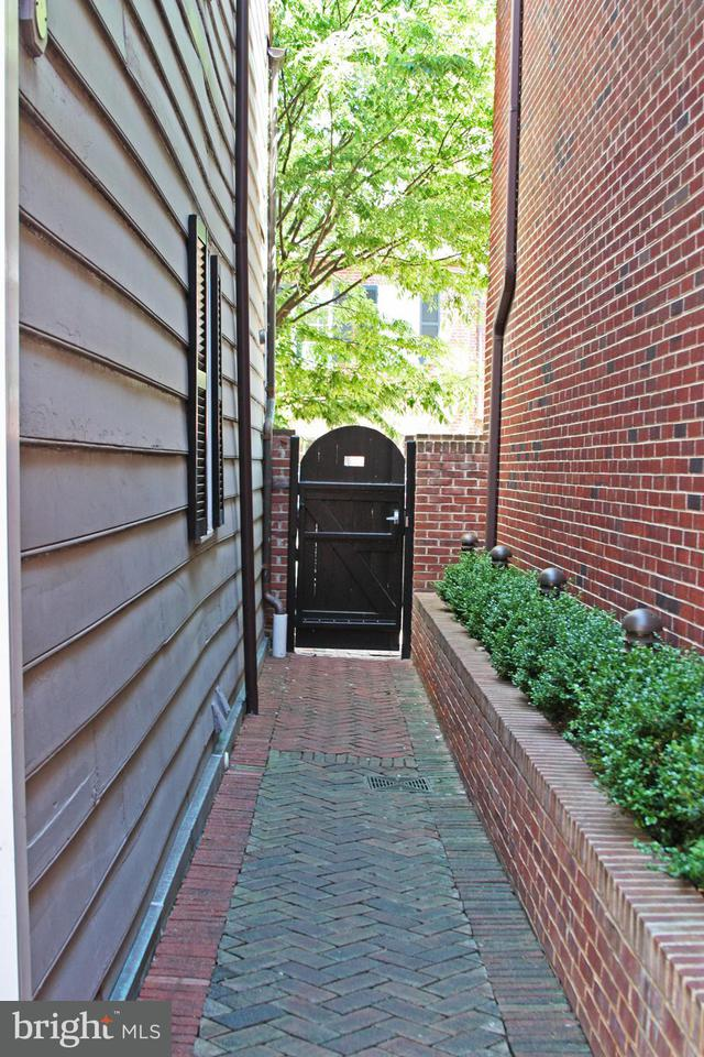 Multi-Family Home for Sale at 1072 THOMAS JEFFERSON ST NW 1072 THOMAS JEFFERSON ST NW Washington, District Of Columbia 20007 United States