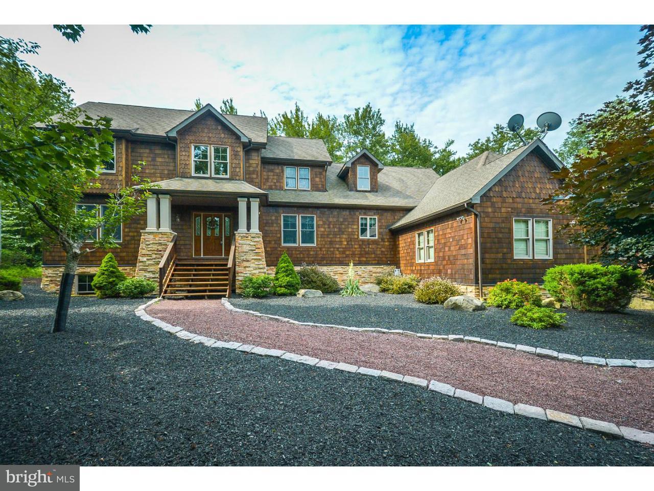 独户住宅 为 销售 在 48 WATAWGA WAY W Gouldsboro, 宾夕法尼亚州 18424 美国