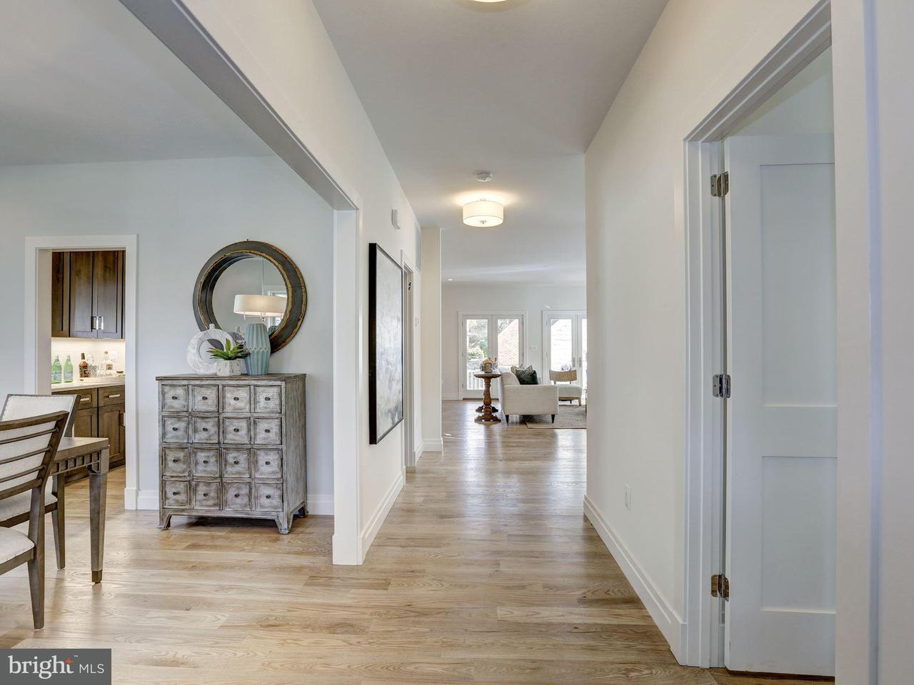 Single Family Home for Sale at 929 DANIEL ST N 929 DANIEL ST N Arlington, Virginia 22201 United States