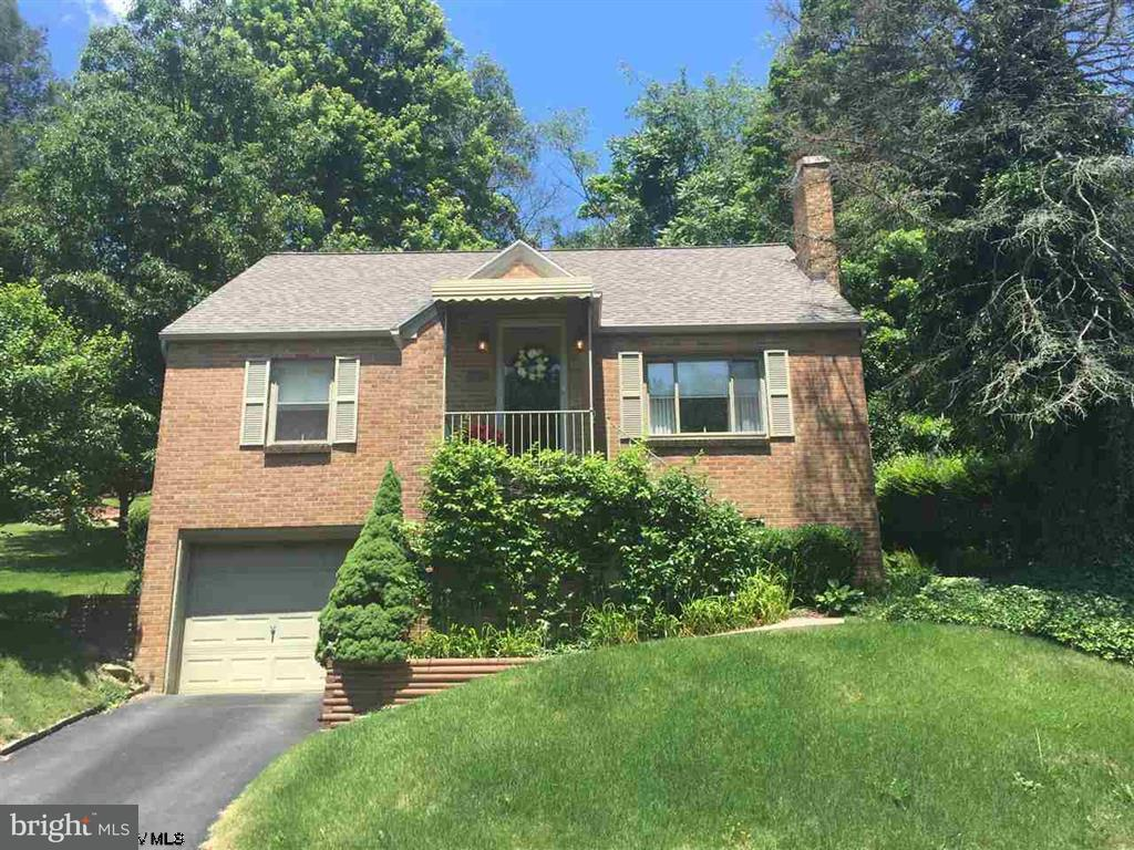 Single Family for Sale at 1107 Sunset Drive Fairmont, West Virginia 26554 United States