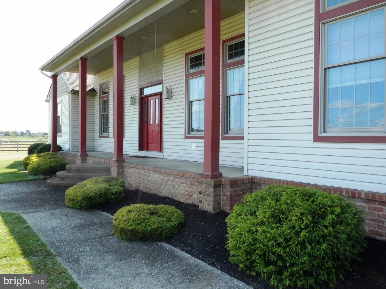 Enfamiljshus för Försäljning vid 290 N MYRTLE Street Hammonton, New Jersey 08037 Usa