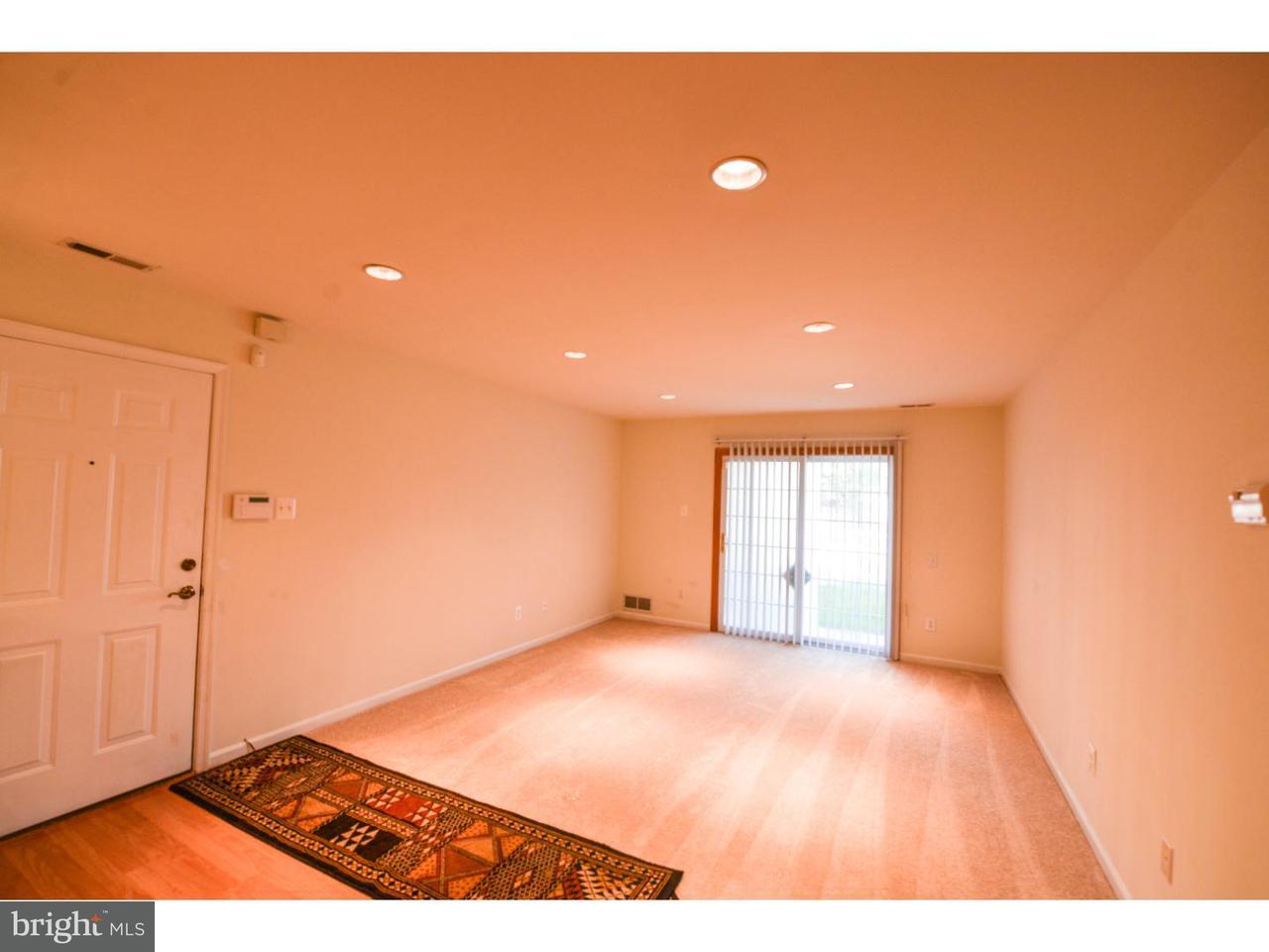联栋屋 为 出租 在 1430 TRISTRAM Circle Mantua, 新泽西州 08051 美国