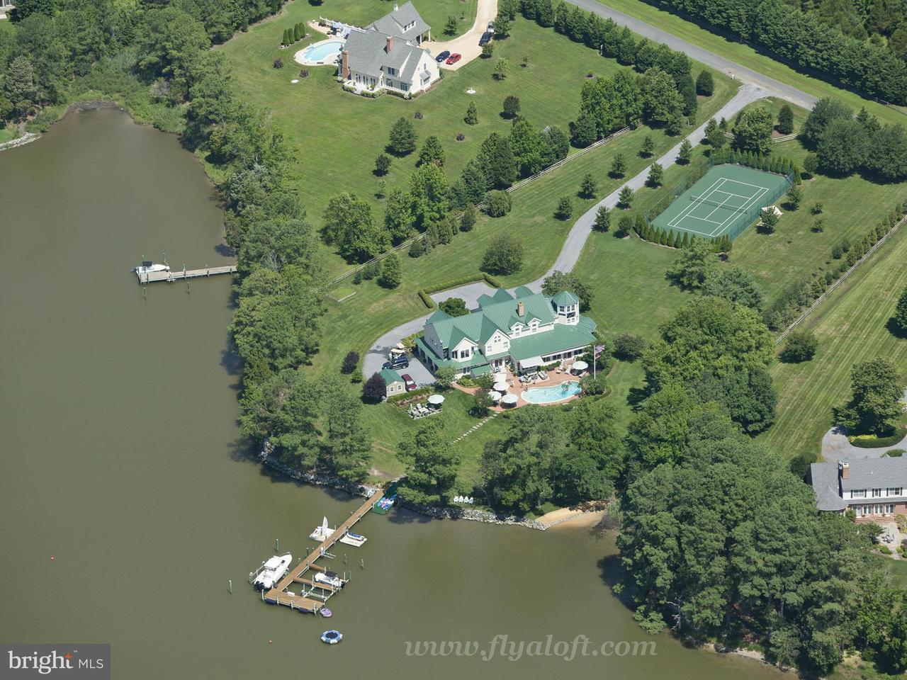 Casa Unifamiliar por un Venta en 26597 NORTH POINT Road 26597 NORTH POINT Road Easton, Maryland 21601 Estados Unidos