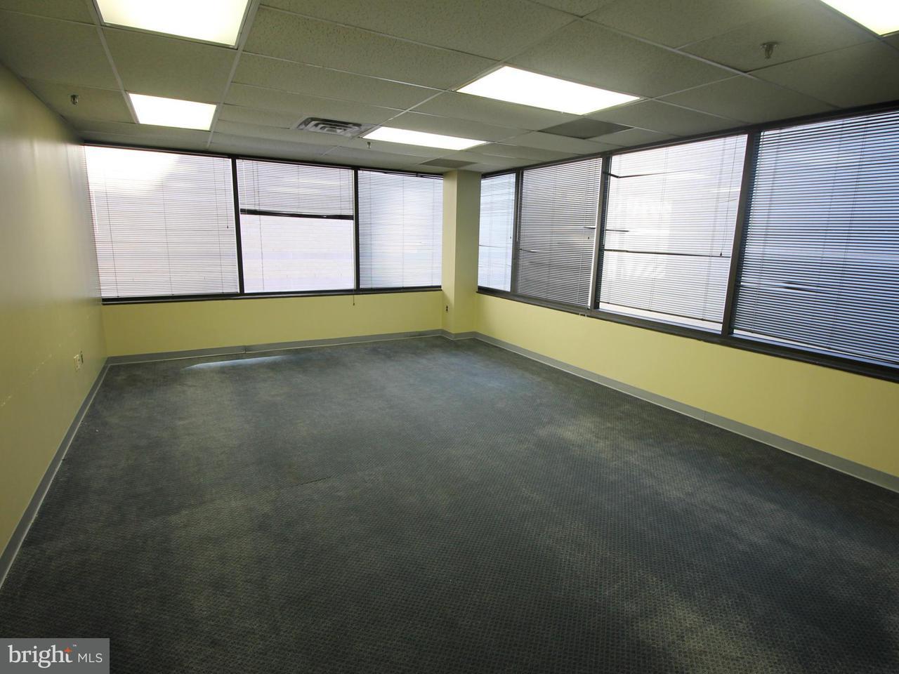 Additional photo for property listing at 1701 CLARENDON BLVD #120 1701 CLARENDON BLVD #120 Arlington, バージニア 22209 アメリカ合衆国