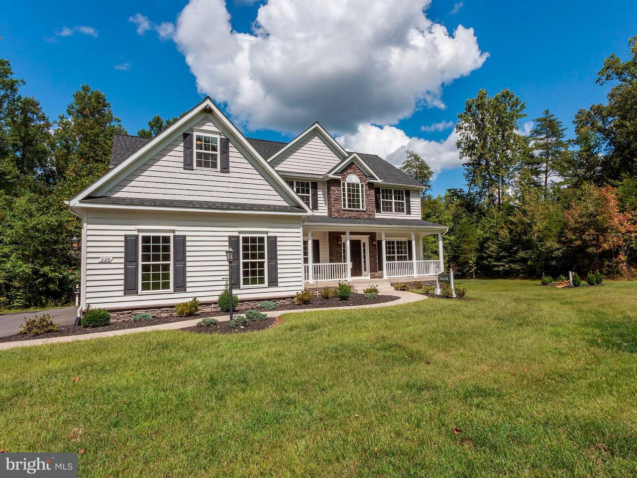 Casa Unifamiliar por un Venta en 220 Mount Hope Church Road 220 Mount Hope Church Road Stafford, Virginia 22554 Estados Unidos