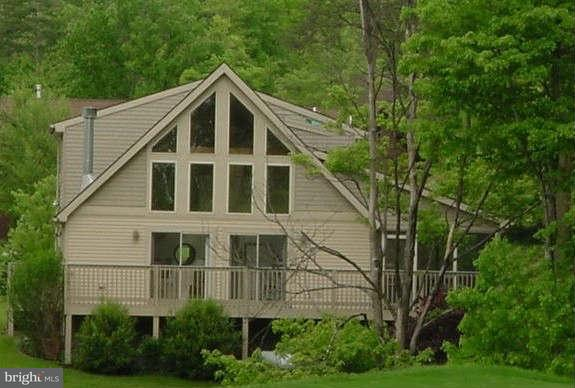 Single Family for Sale at Moundbuilder Loop Hedgesville, West Virginia 25427 United States