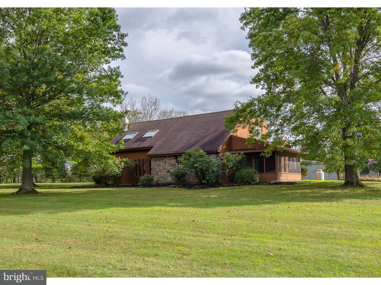 独户住宅 为 销售 在 19 BEAVER RUN Road Tinicum, 宾夕法尼亚州 18942 美国