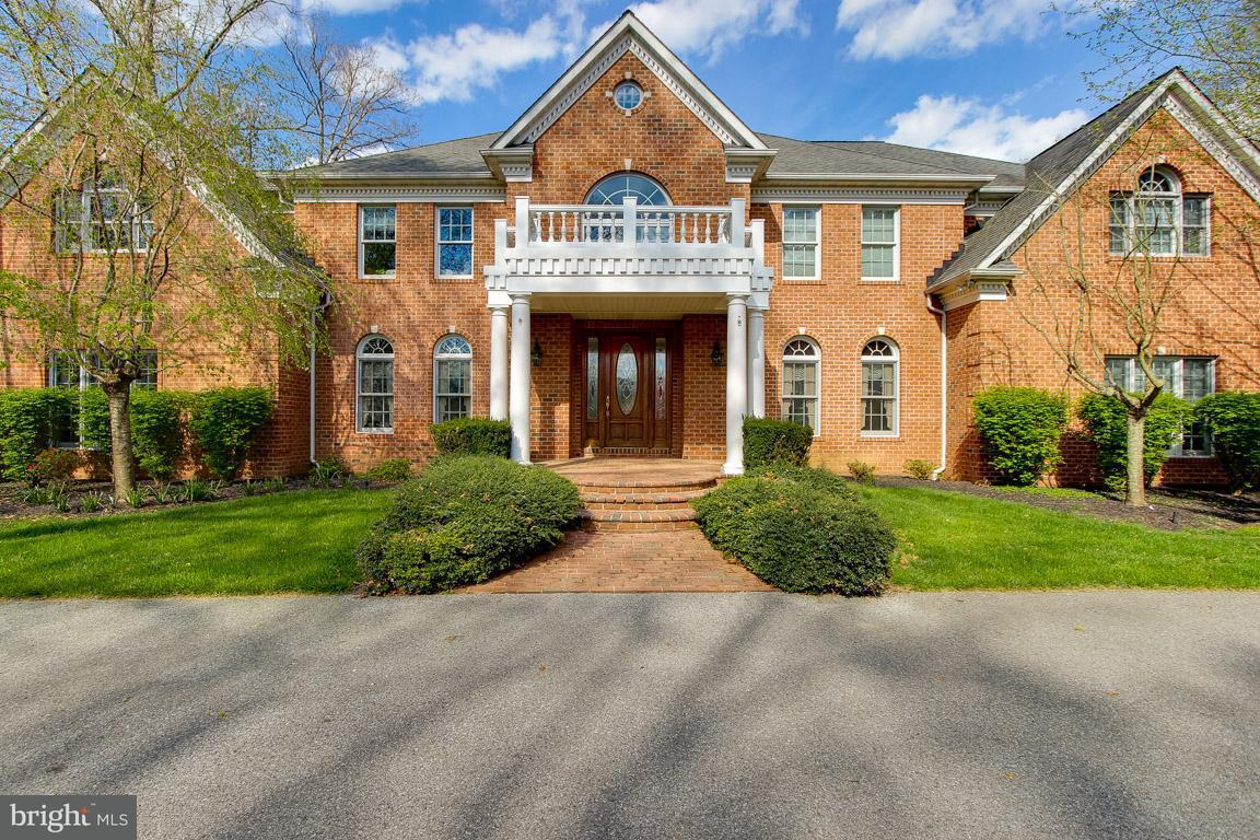 Maison unifamiliale pour l Vente à 2845 COUNTRY WOODS Court 2845 COUNTRY WOODS Court Finksburg, Maryland 21048 États-Unis