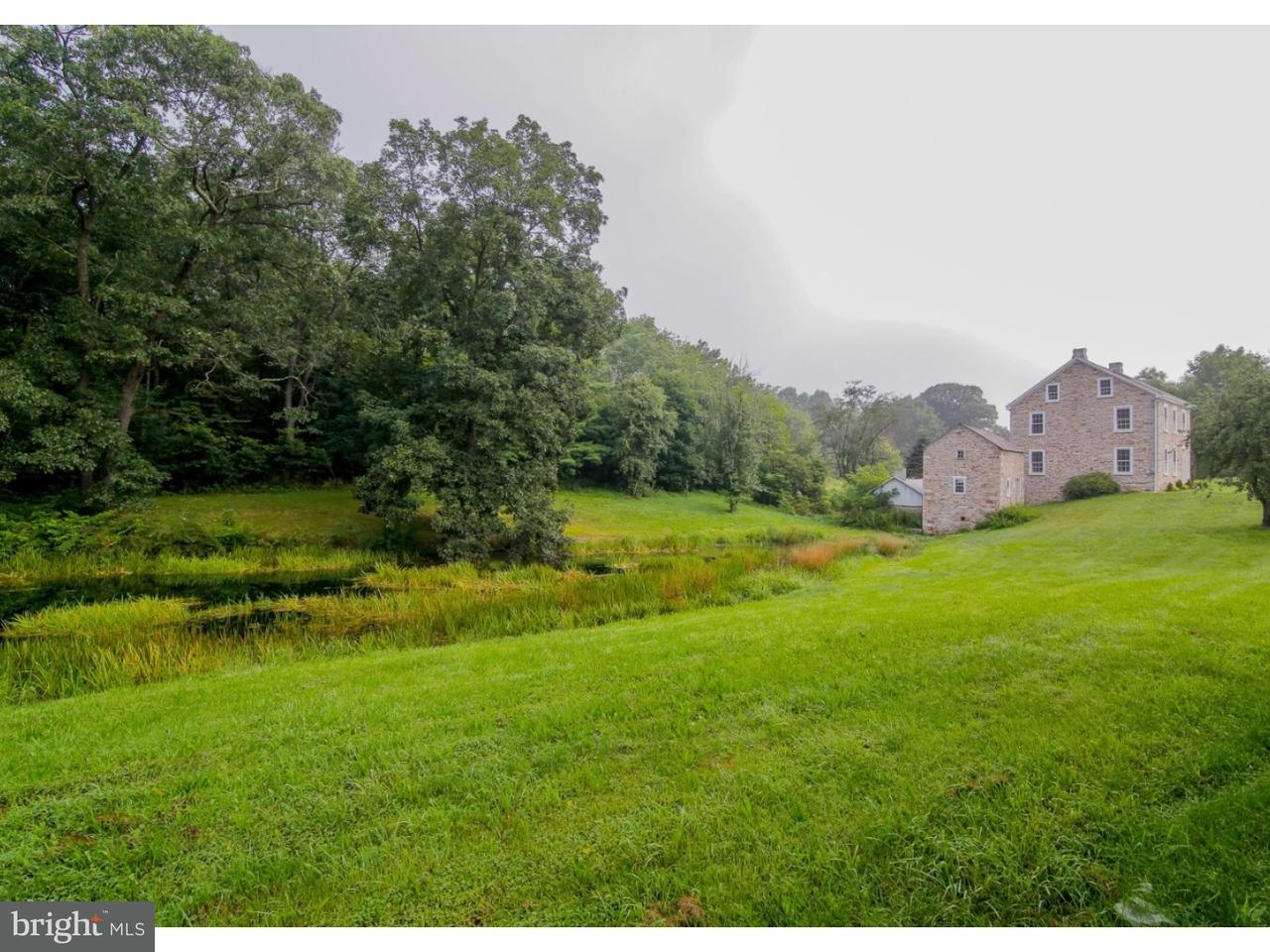 Maison unifamiliale pour l Vente à 8955 ASHFIELD Road Slatington, Pennsylvanie 18080 États-Unis