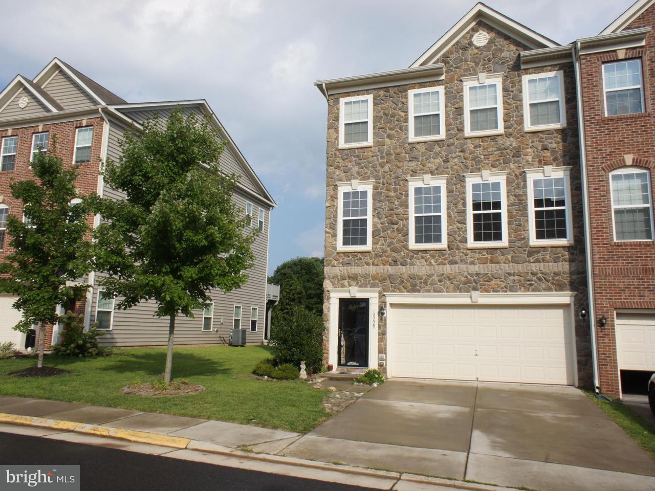 Σπίτι στην πόλη για την Πώληση στο 10229 FOUNTAIN Circle 10229 FOUNTAIN Circle Manassas, Βιρτζινια 20110 Ηνωμενεσ Πολιτειεσ