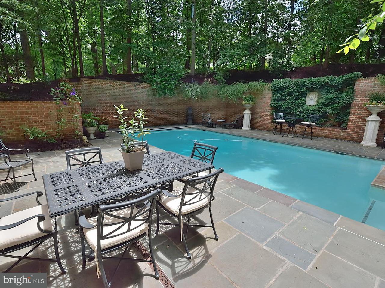 Additional photo for property listing at 921 TOWLSTON Road 921 TOWLSTON Road McLean, Virginia 22102 United States