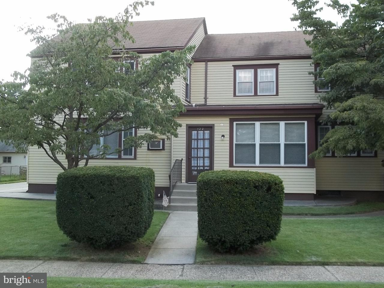 复式单位 为 销售 在 122 S LIPPINCOTT Avenue Maple Shade, 新泽西州 08052 美国