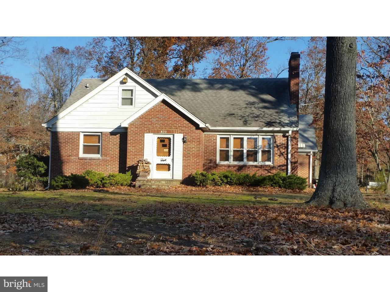 Частный односемейный дом для того Аренда на 820 W ARBOR Avenue Vineland, Нью-Джерси 08360 Соединенные Штаты