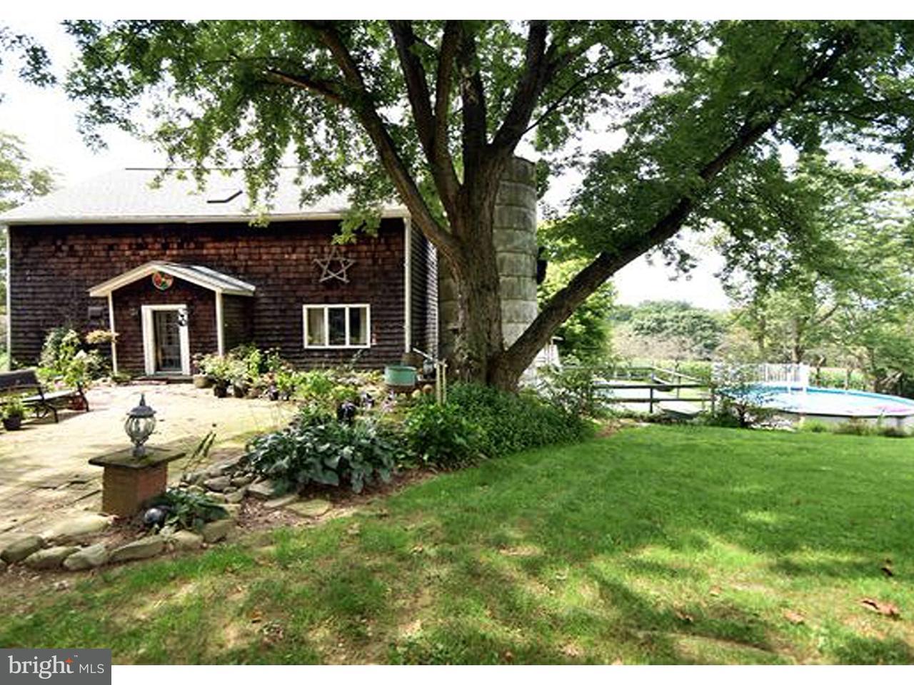 Enfamiljshus för Försäljning vid 1598 PRICE Lane Mount Bethel, Pennsylvania 18343 Usa