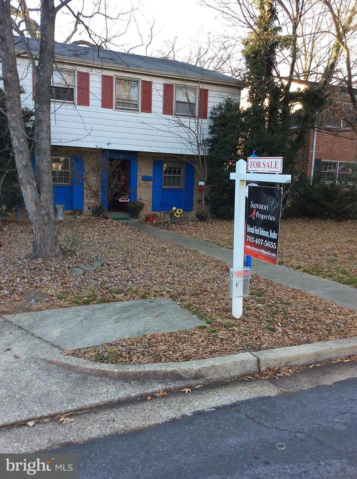 Single Family Home for Sale at 604 GARFIELD ST N 604 GARFIELD ST N Arlington, Virginia 22201 United States