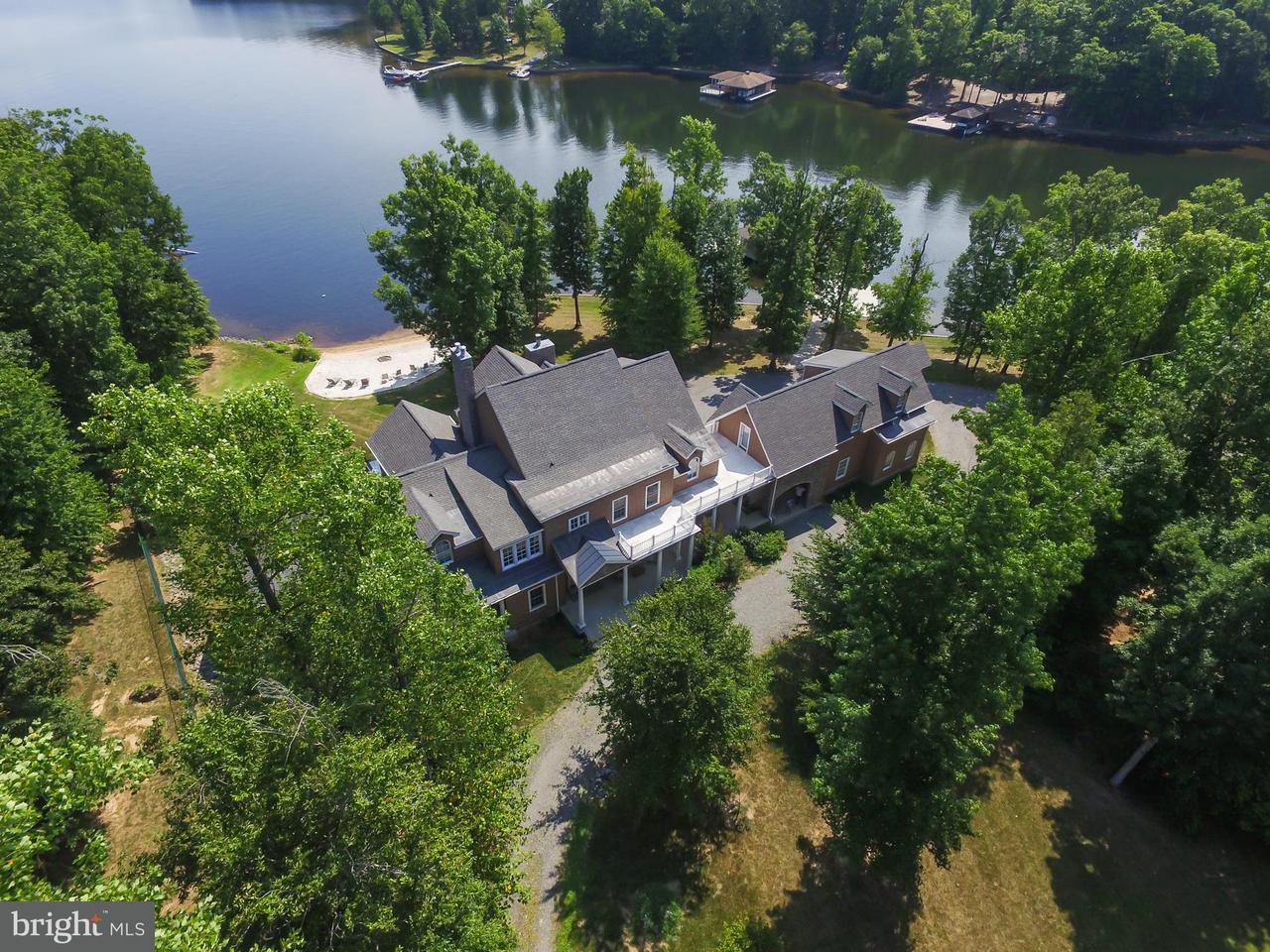 Einfamilienhaus für Verkauf beim 542 Twin Lakes Lane 542 Twin Lakes Lane Bumpass, Virginia 23024 Vereinigte Staaten