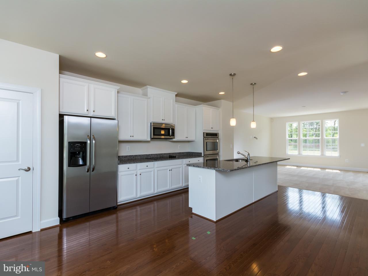Σπίτι στην πόλη για την Πώληση στο 10744 HINTON WAY 10744 HINTON WAY Manassas, Βιρτζινια 20112 Ηνωμενεσ Πολιτειεσ