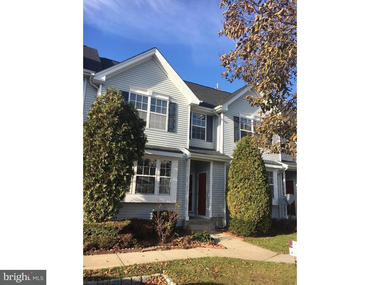 联栋屋 为 出租 在 203 BLOSSOM Circle 南不伦瑞克, 新泽西州 08810 美国在/周边: South Brunswick Township