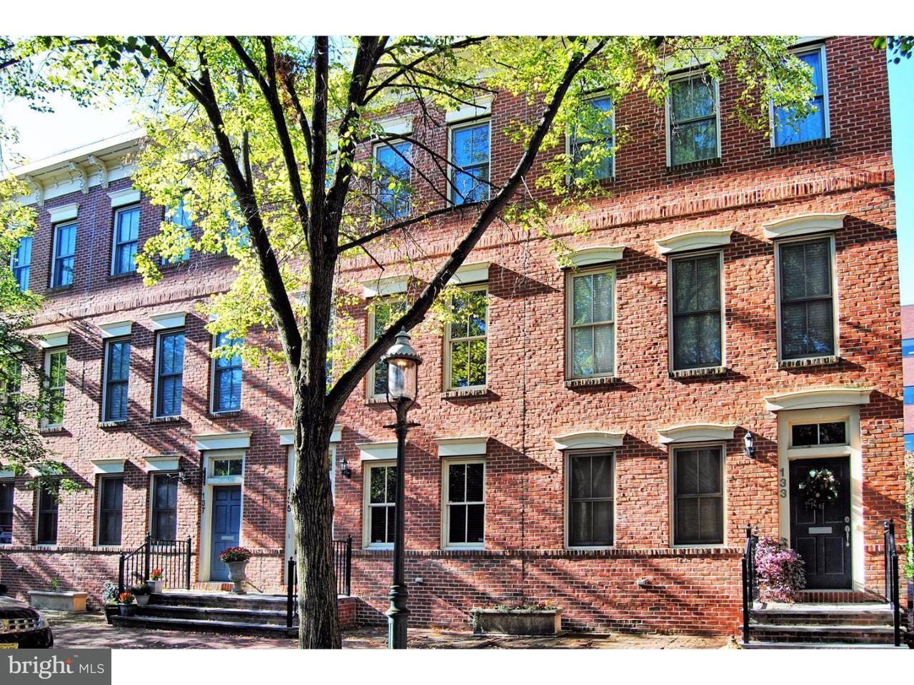 联栋屋 为 出租 在 135 JACKSON Street 特伦顿, 新泽西州 08611 美国在/周边: Trenton City
