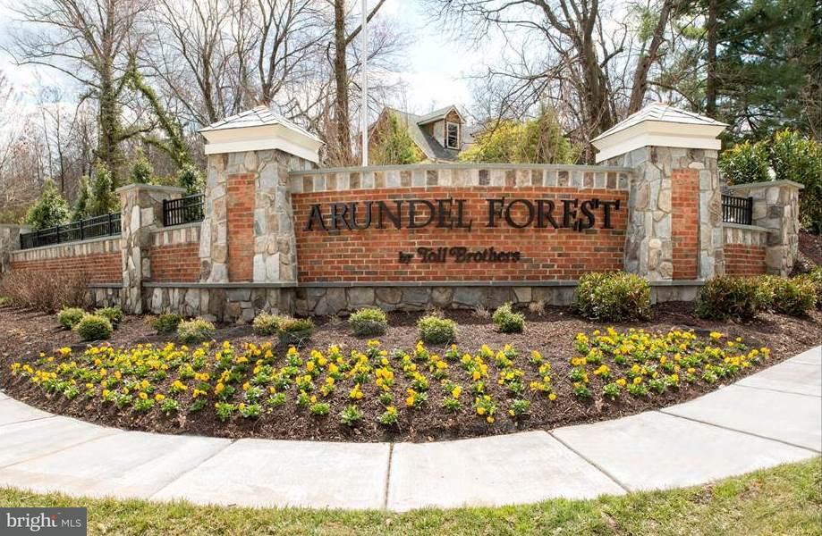 Casa Unifamiliar por un Venta en 8331 Canyon Oak Drive 8331 Canyon Oak Drive Severn, Maryland 21144 Estados Unidos