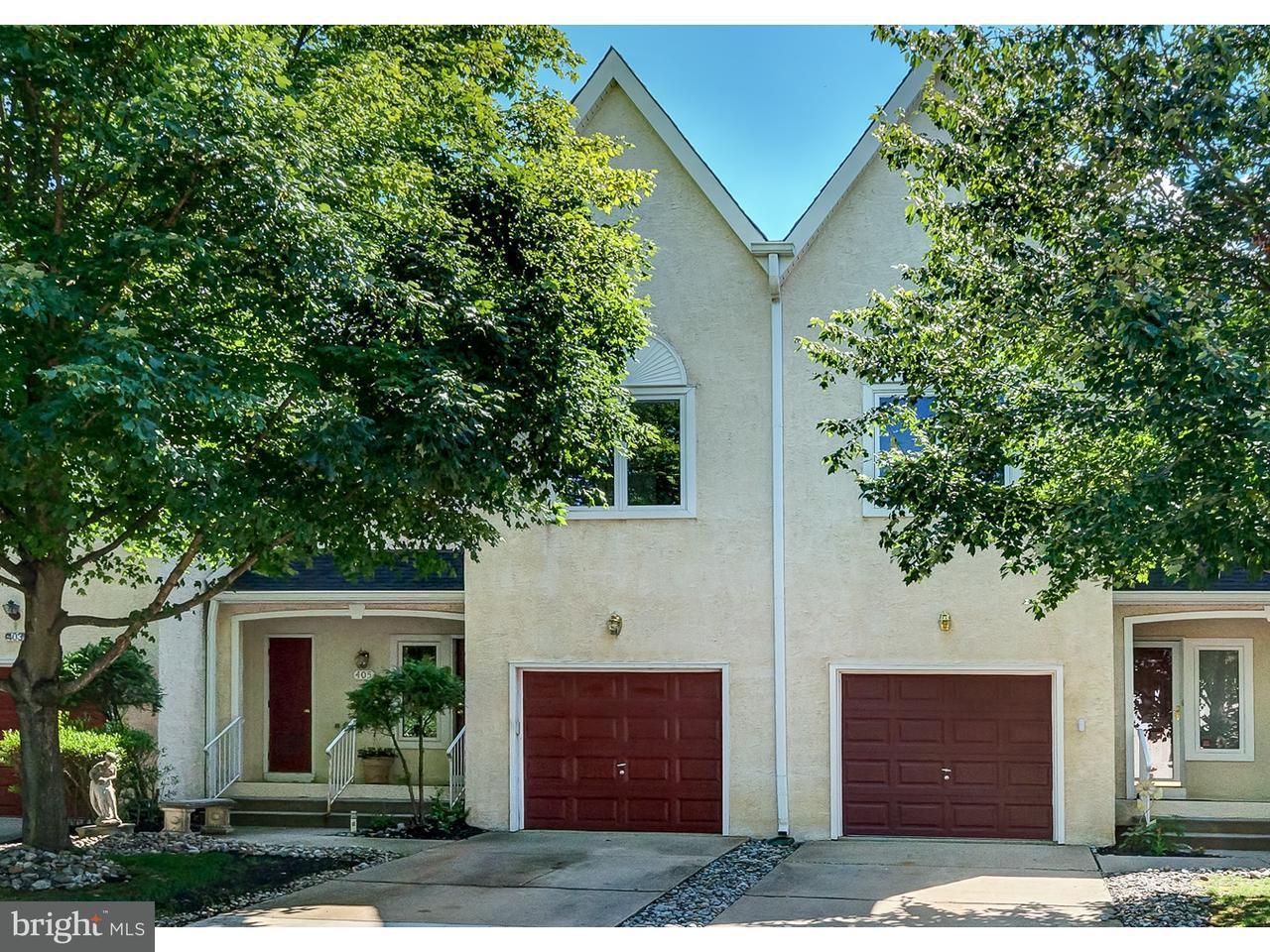 Appartement en copropriété pour l Vente à 405 PROVENCE Drive Cherry Hill, New Jersey 08003 États-Unis