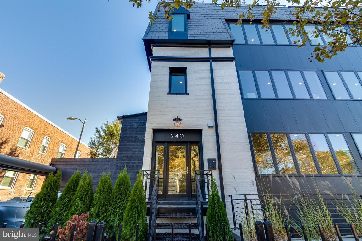 Additional photo for property listing at 240 Q ST NW #PH #2 240 Q ST NW #PH #2 Washington, Distrito De Columbia 20001 Estados Unidos